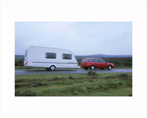 2002 Citroen C5 hdi towing a caravan by Unknown