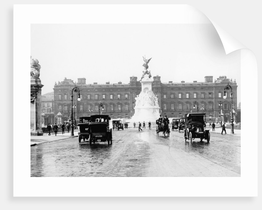 Buckingham Palace and the Mall by Anonymous