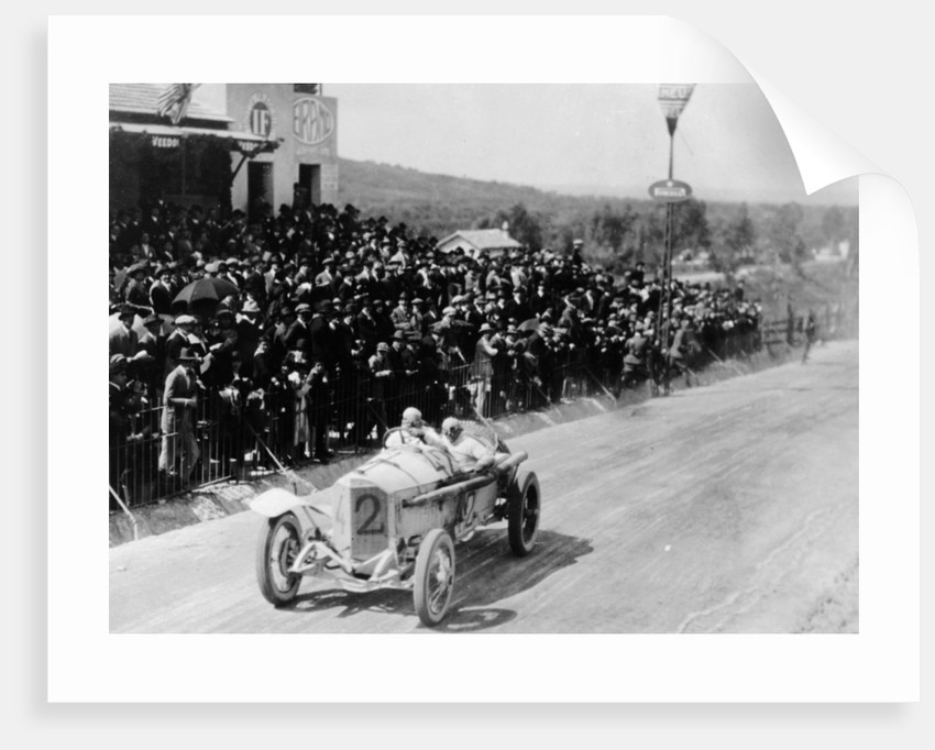 Christian Lautenschlager passing the tribunes, in the Targa Florio race by Anonymous