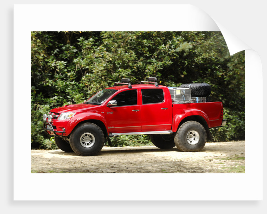 2007 Toyota HiLux Arctic Explorer by Unknown