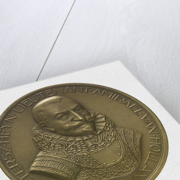 Medal commemorating the tercentenary of the death of Admiral Piet Heyn 1929; obverse by unknown
