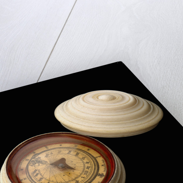 Magnetic dial, with lid by Samuel Porter