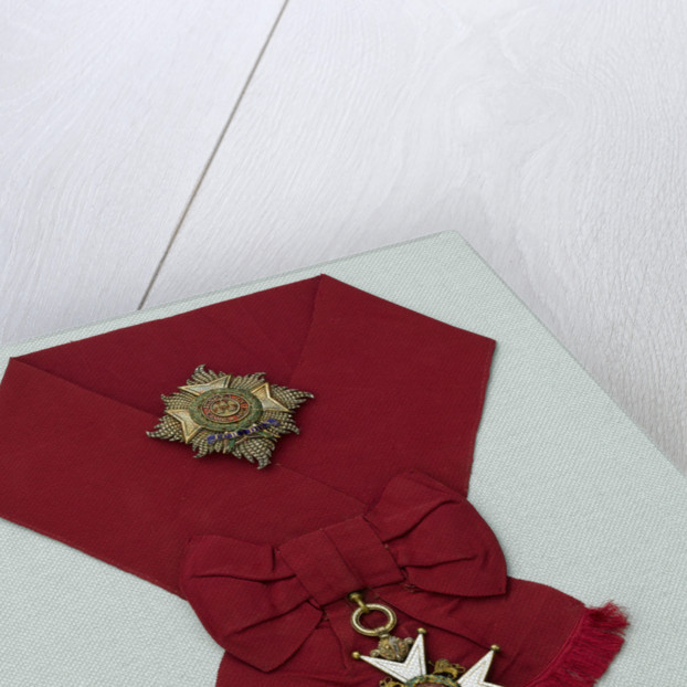 Medals awarded to Admiral of the Fleet, Earl David Beatty, on a presentation board, including a Sash, Badge and Star, and a bar of 14 medals, (left to right) MED2214-27 by unknown