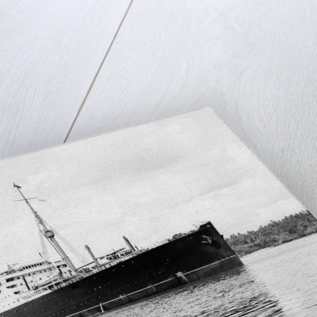 Cunard passenger liner 'Carinthia' (Br, 1925) under way by unknown