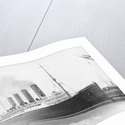 'Mauretania' at Southampton by Marine Photo Service