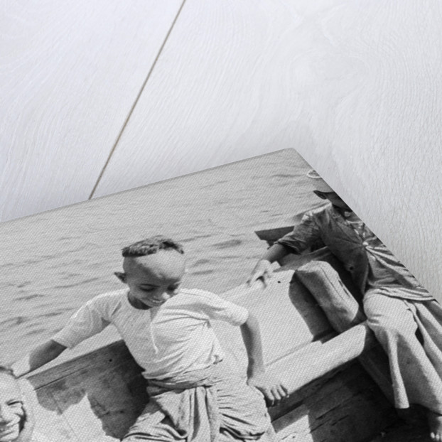 Hadhrami children on board the 'Triumph of Righteousness' by Alan Villiers