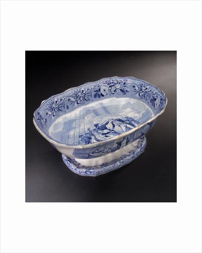 Earthenware dish by Josiah Spode