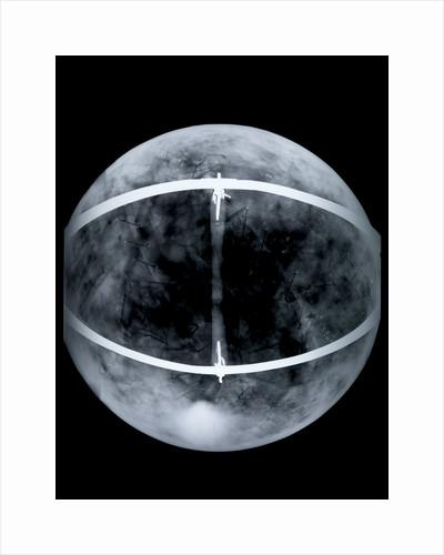 Globe x-ray by Jacob Floris van Langren