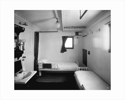 First Class stateroom on the 'Highland Loch' (1911) by Bedford Lemere & Co.