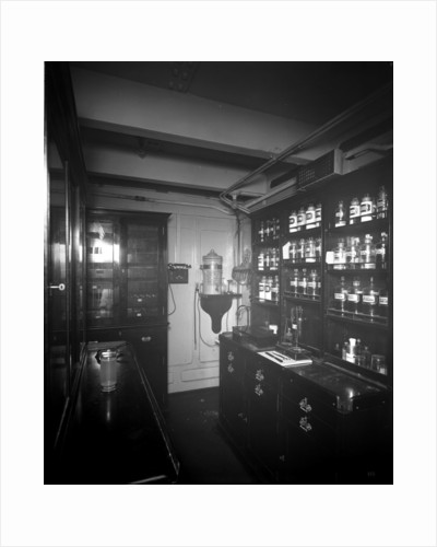 Dispensary on the 'Aquitania' (1914) by Bedford Lemere & Co.