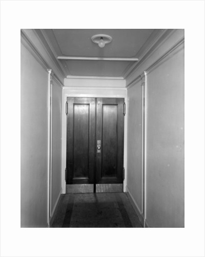 Doors in a corridor on the 'Aquitania' (1914) by Bedford Lemere & Co.