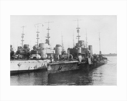 Torpedo boat 'S65' (Ge, 1916) with other torpedo boats by unknown