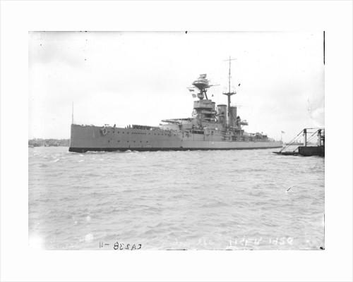 HMS 'Tiger' (1913), battlecruiser, a port bow view by unknown
