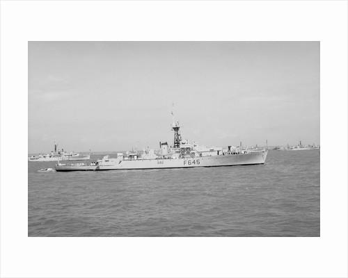 HMS 'Loch Ruthven' (1944) under way by unknown