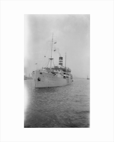 'Highland Loch' (Br, 1911), at anchor by unknown