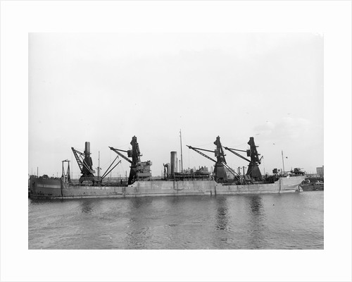 Photograph of general cargo 'Empire Chamois' (1918) 1941-1945 lying at quayside. Ministry of War Transport ex 'Pacific Redwood' ex 'Westmount' (5P) B 1941-1945 Lying at quayside. by unknown