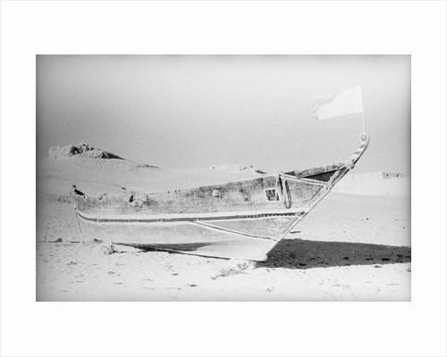 A sewn sambuk on the beach at Shihr by Alan Villiers