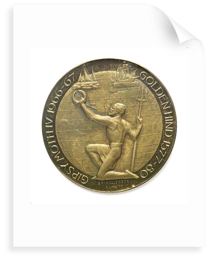 Medal commemorating 'Regina Elena'; reverse by Paul Vincze