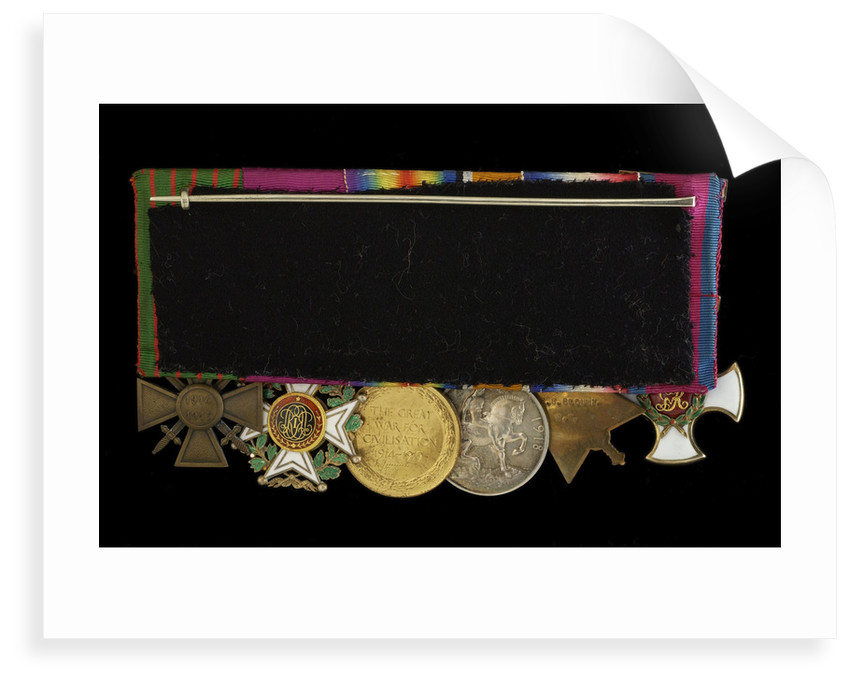 Medals on bar (reverse, right to left): Distinguished Service Order, 1914-15 Star; British War Medal 1914-1918; Victory Medal 1914-1918; Order of Leopold, 4th class (military); Croix de Guerre 1914-1918 by W. Wyon