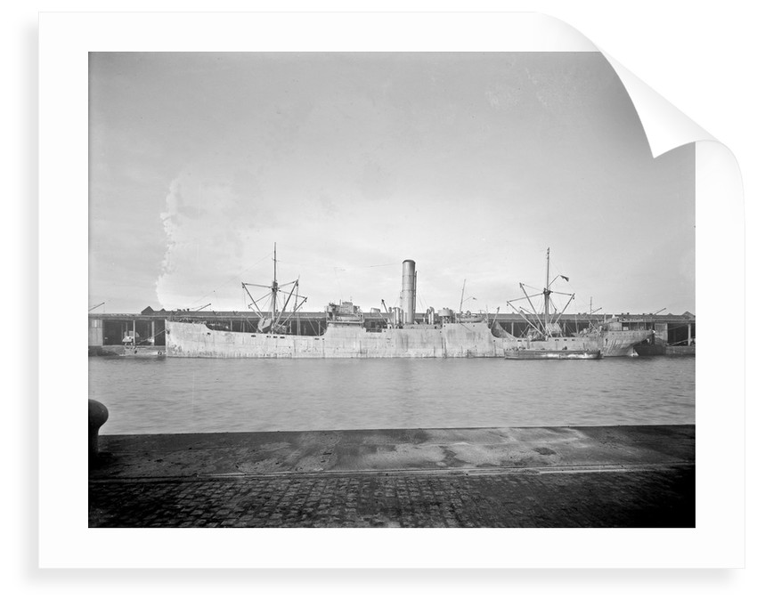 'Wayfarer' (Br,1925) at quayside, Liverpool by unknown