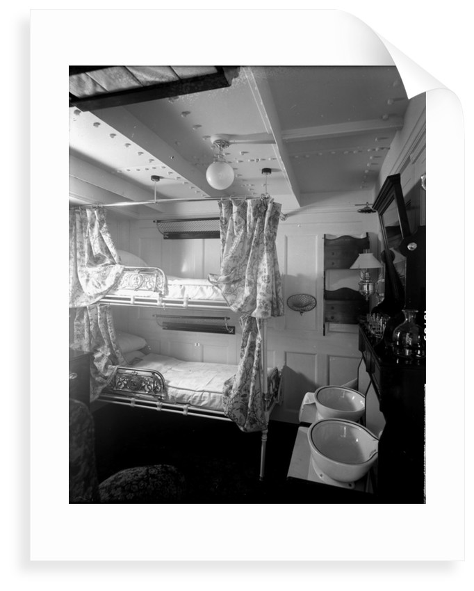 First Class stateroom on the 'Saxonia' (1900) by Bedford Lemere & Co.