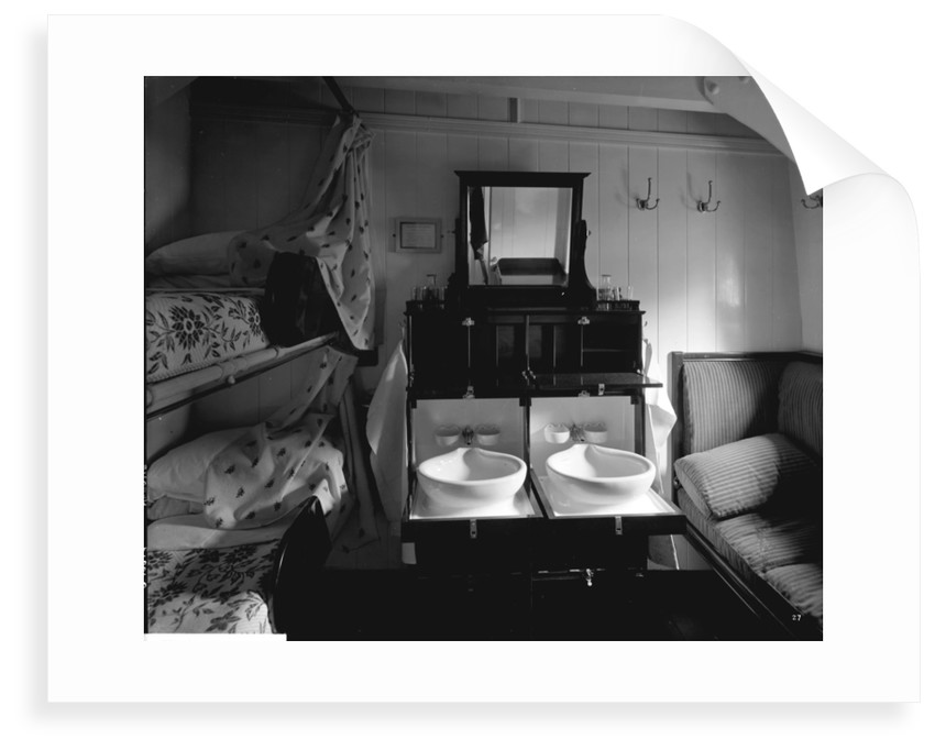 Second Class stateroom on the 'Balmoral Castle' (1910) by Bedford Lemere & Co.