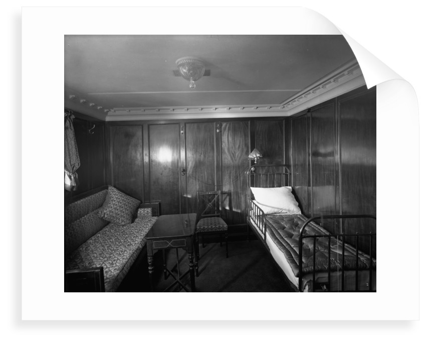 First Class cabin de luxe on the 'Royal George' (1907) by Bedford Lemere & Co.