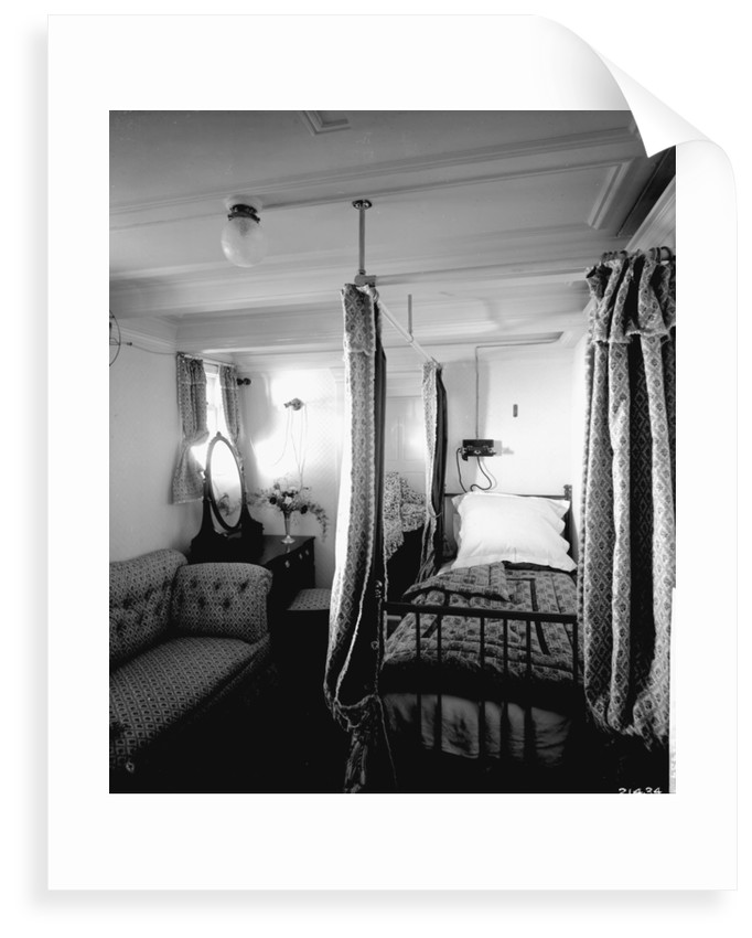 Duchess of Connaught's Bedroom on the 'Empress of Ireland' (1906) by Bedford Lemere & Co.