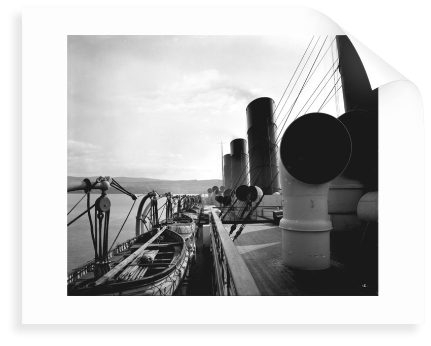 View from the Flying Bridge on the 'Aquitania' (1914) by Bedford Lemere & Co.