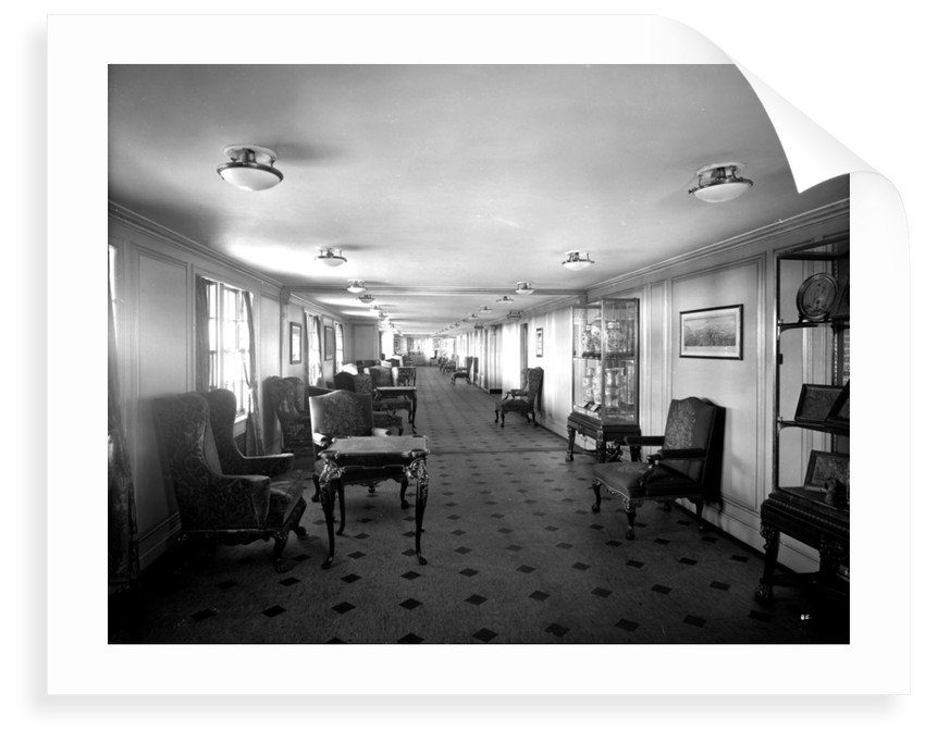 Long Gallery on the 'Aquitania' (1914) by Bedford Lemere & Co.
