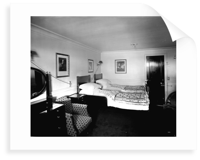 Raeburn Suite on the 'Aquitania' (1914) by Bedford Lemere & Co.