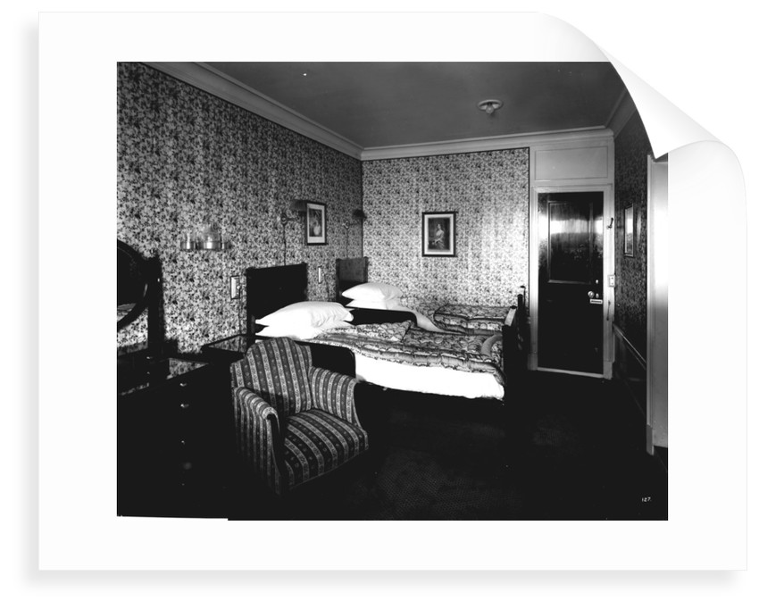 First Class bath and toilet suite on the 'Aquitania' (1914) by Bedford Lemere & Co.
