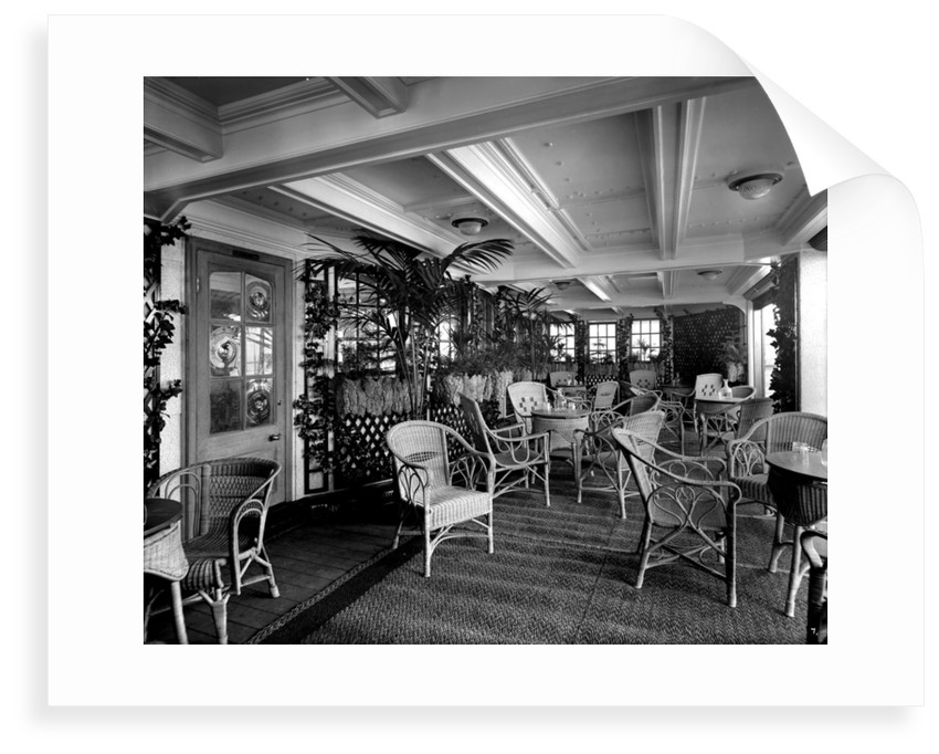 First Class Verandah Cafe on the 'Essequibo' (1914) by Bedford Lemere & Co.