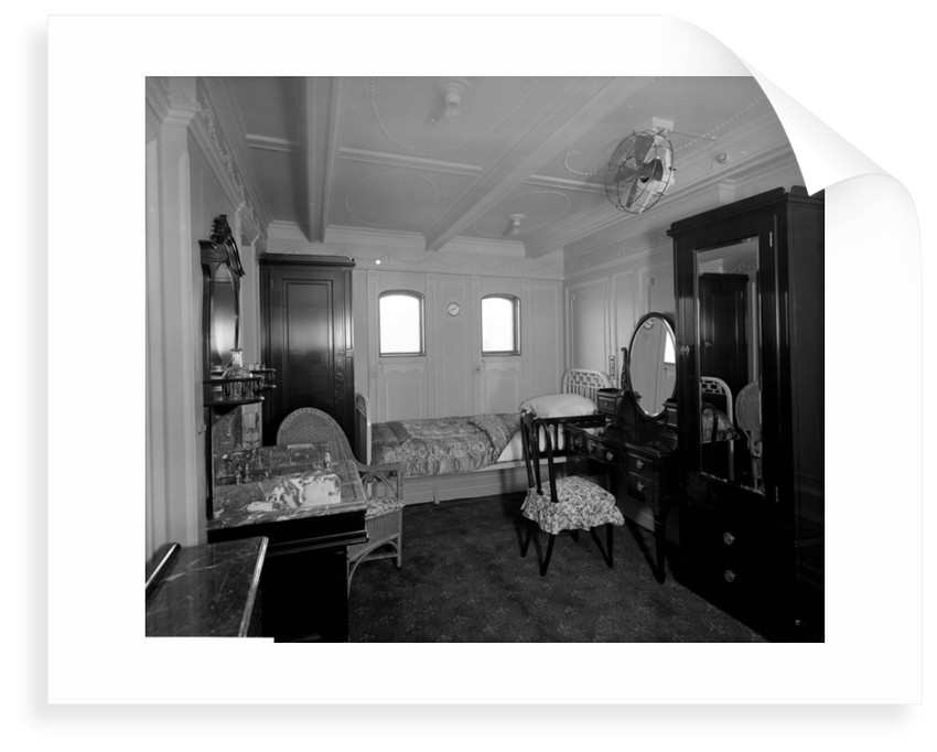 First Class stateroom on the 'Essequibo' (1914) by Bedford Lemere & Co.