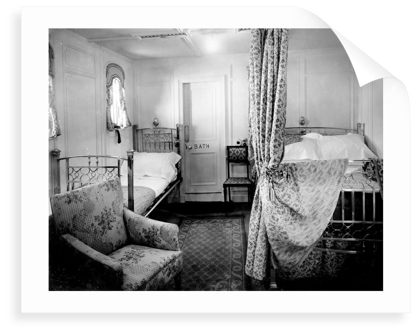 First Class cabin de luxe on the 'Niagara' (1913) by Bedford Lemere & Co.