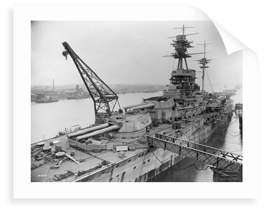 Battleship HMS 'Resolution' (1915) by unknown