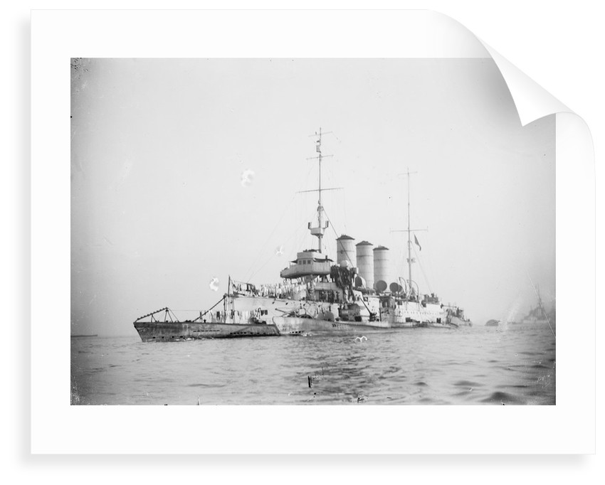 Protected cruiser 'Libia' (It, 1912), with surrendered German submarines. by unknown