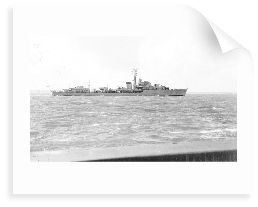 Destroyer HMS 'Wizard' (1943), under way by Anonymous