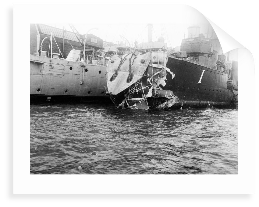 HMS 'Mentor' (1914) by Lieutenant Geoffroy William Winsmore Hooper
