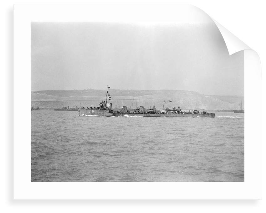 Torpedo boat destroyer HMS 'Mohawk' (1907), under way at Dover by unknown