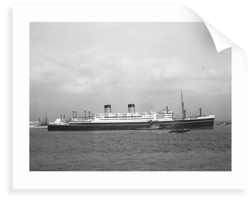 'Dominion Monarch' (Br, 1939) under way passing Gravesend bound down on her maiden voyage by unknown