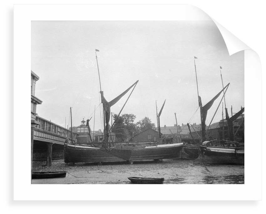 'Saxon' (Br, 1902) dried out at Gravesend by Anonymous
