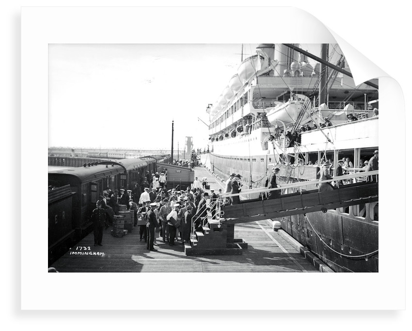 Passengers boarding the 'Orontes' at Immingham Dock, Humberside, England by Marine Photo Service