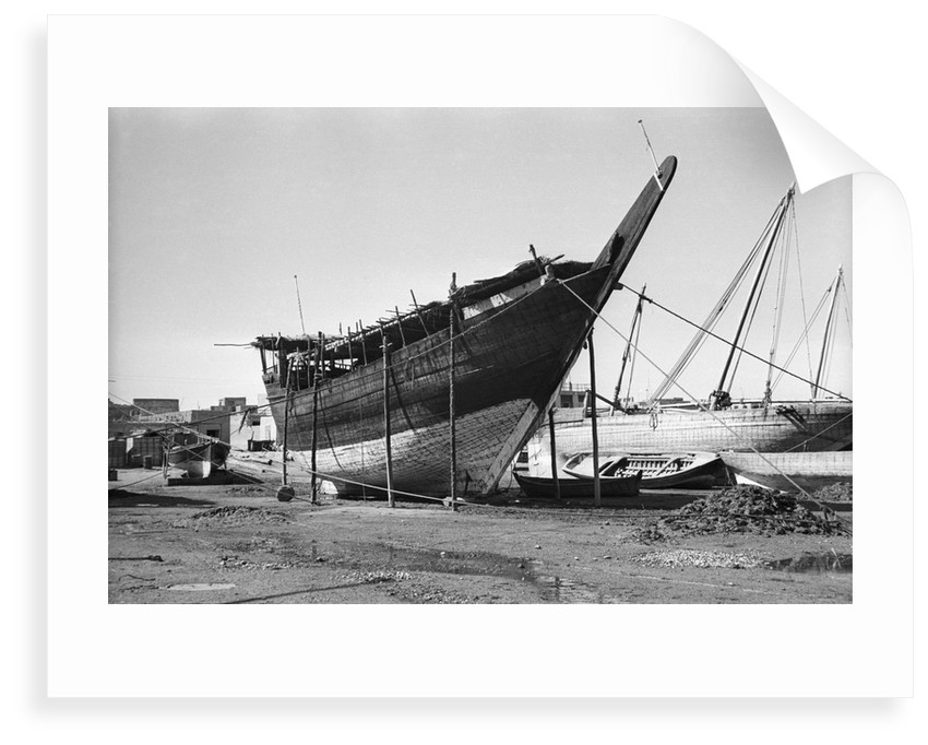 Quarter view of bow and stem-piece of a typical Kuwaiti boom by Alan Villiers