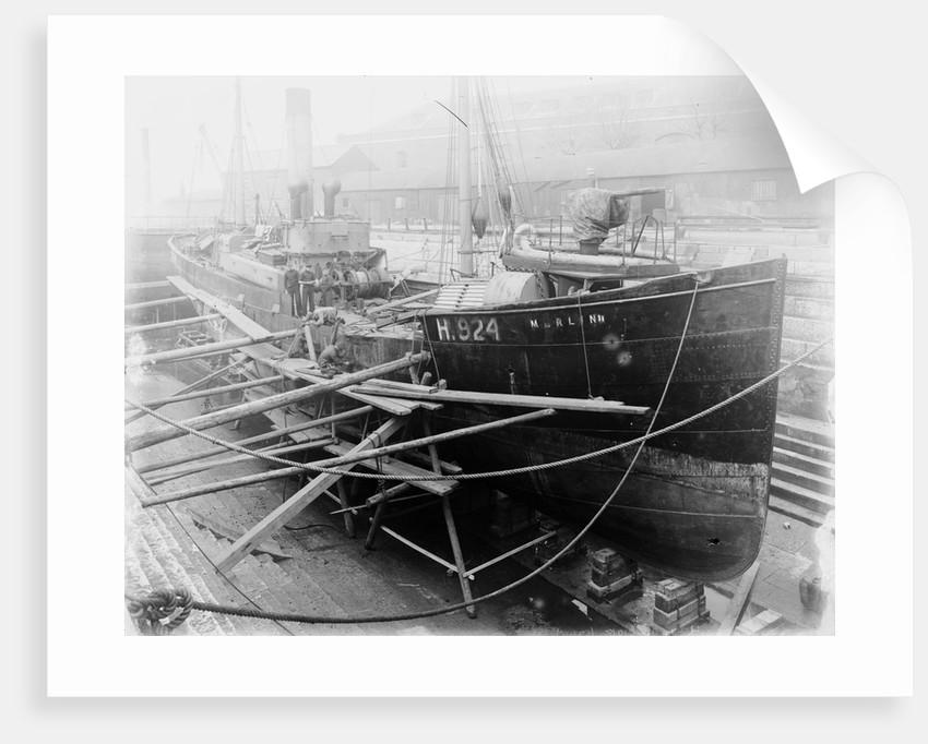 Trawler HMS 'Merlin II' (1906) by unknown