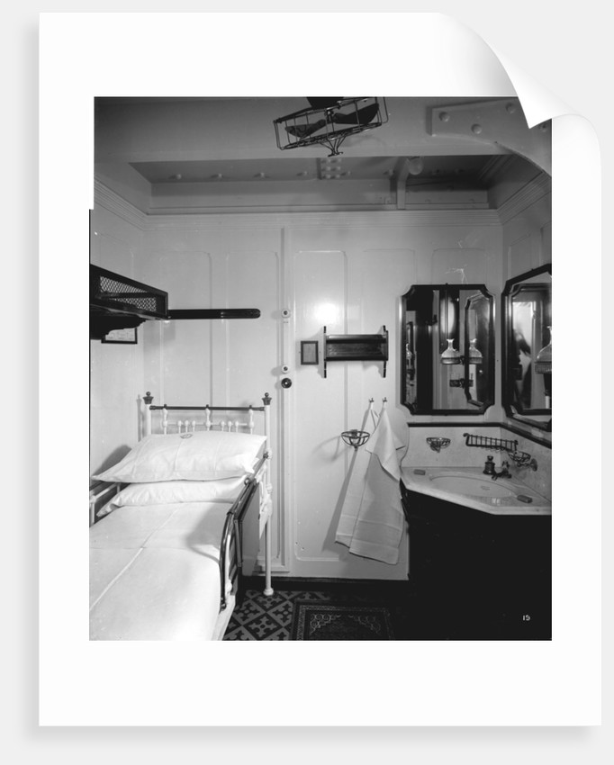 First Class stateroom on the 'Orduna' (1914) by Bedford Lemere & Co.