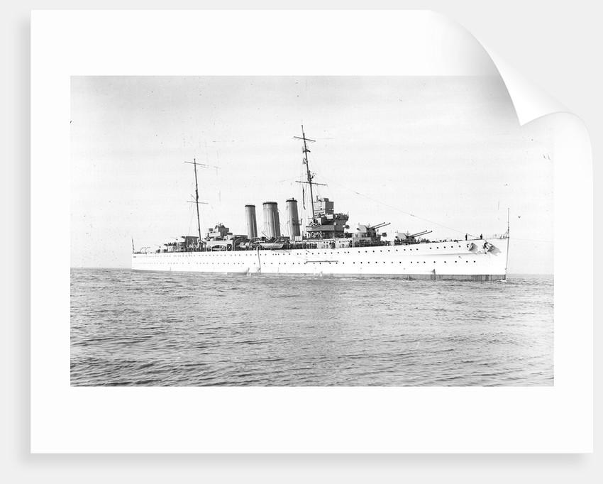 Heavy cruiser HMS 'Kent' (1926) by unknown