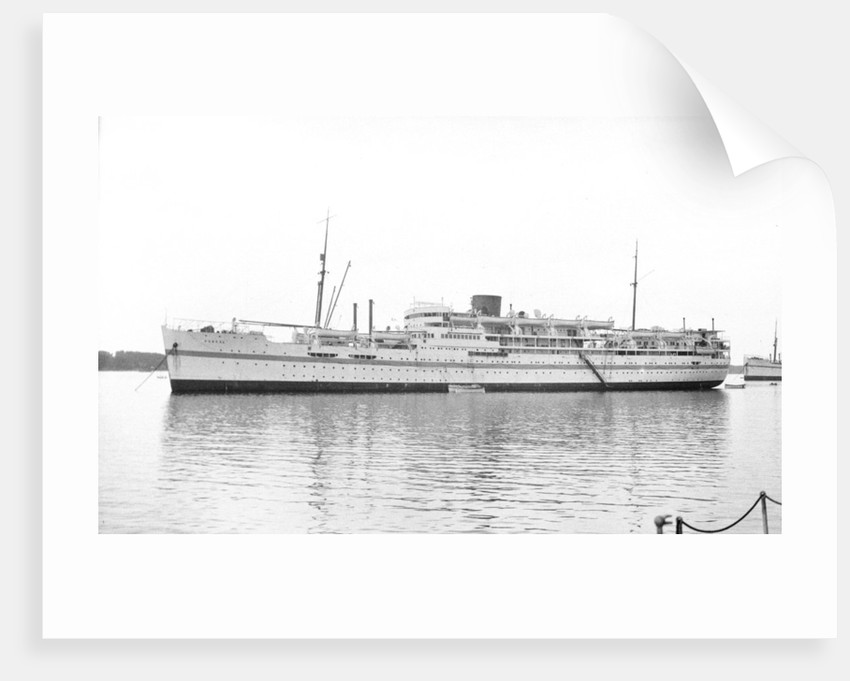 The 'Dunera' (Br, 1937) at anchor, probably in Southampton Water by unknown