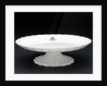 Cake stand by W.T. Copeland & Sons Ltd.