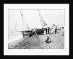 Bexhill Beach with holidaymakers, Sussex by National Maritime Museum